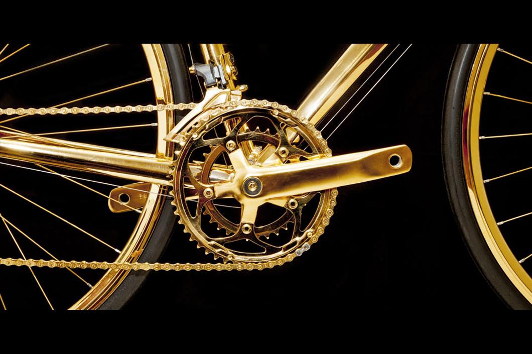 0b021a86aaa Luxo  Empresa Produz Bicicleta Esportiva Banhada a Ouro 24K - Luxos .