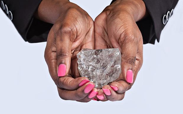 Maior-Diamante-Do-Século-Luxos-e-Brilhos