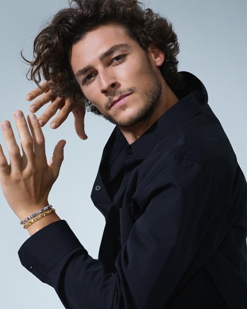 Louis-Vuitton-volt-luxos-e-brilhos-1001-noites-ouro-argolas1